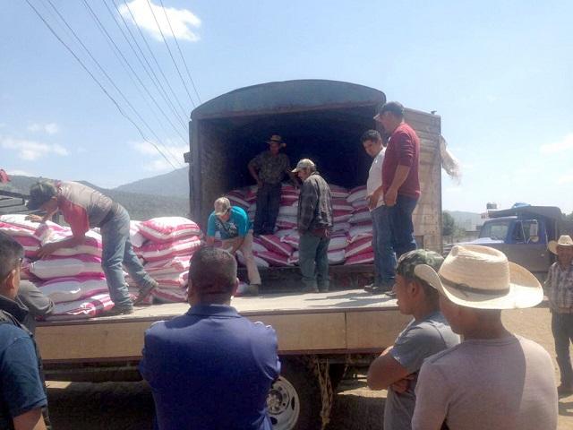 a tiempo sedrua entrega fertilizante a productores conlupa